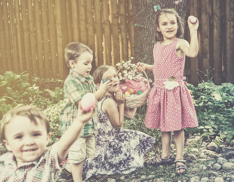 Children Finding Eggs On An Easter Egg Hunt - Retro