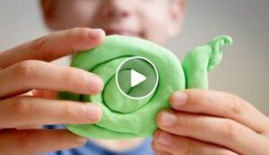 Come fare il pongo fatto in casa [VIDEO]