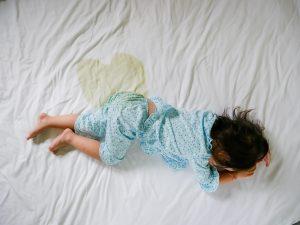 Cosa dire a tuo figlio se fa la pipì a letto