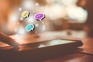 Stress da chat per genitori: come affrontarlo
