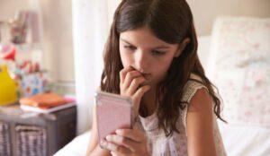 a che età i bambini possono avere il cellulare