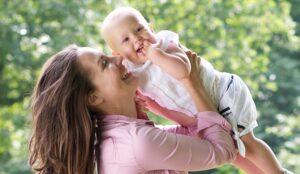 L'amore della mamma influisce positivamente sul cervello del suo bambino