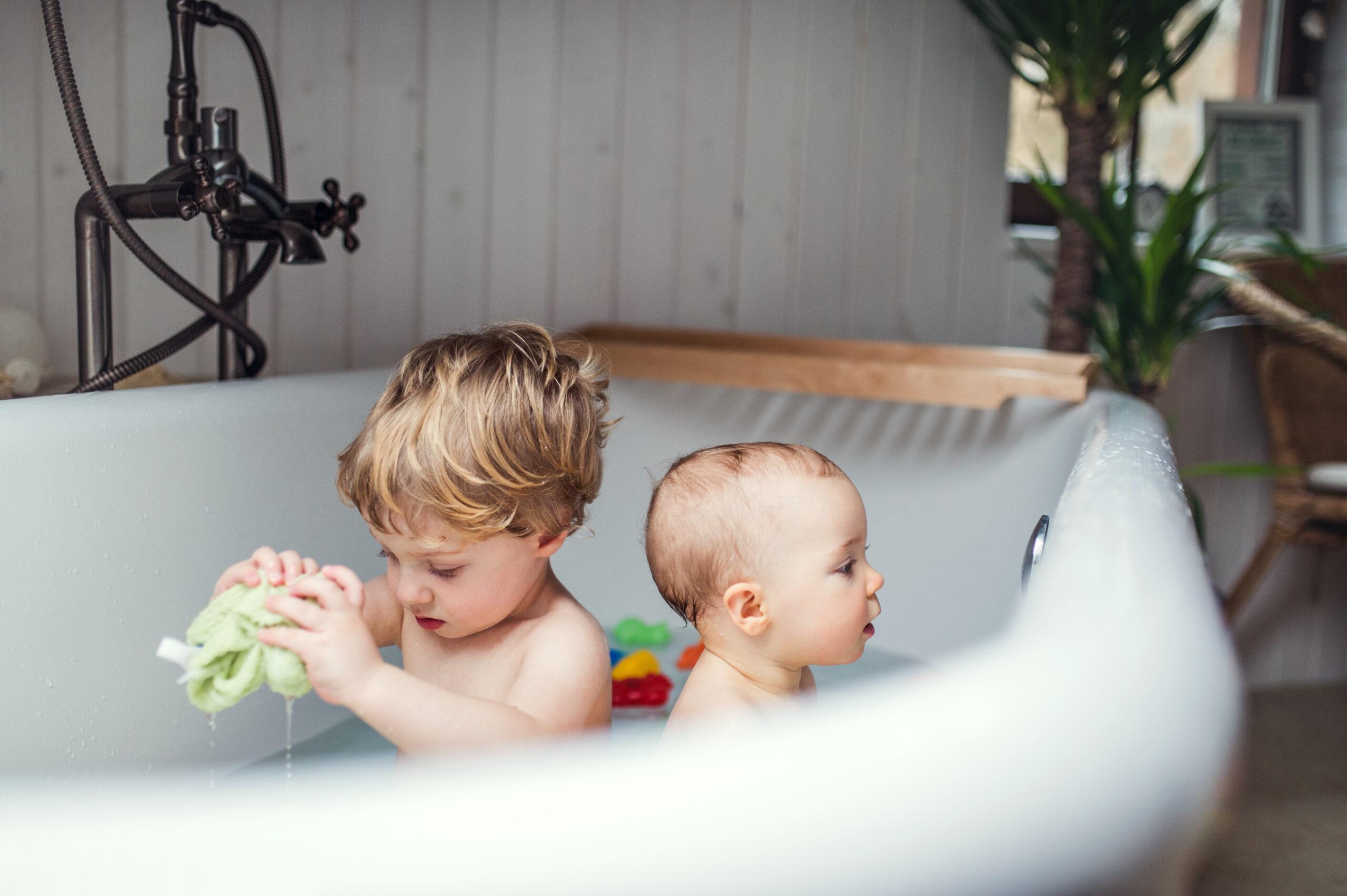 Non Lasciare I Bambini Nella Vasca Da Bagno Da Soli